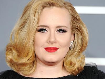 Adele Umumkan Dirinya Tengah Hamil