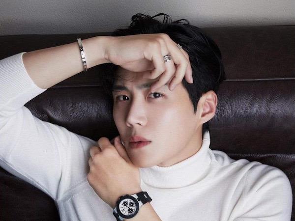 Salt Entertainment Bantah Isu Kontrak Kim Seon Ho Habis