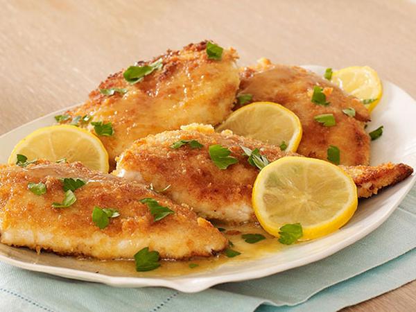 Segarkan Momen Makan Siangmu dengan Sajian a la Eropa, Lemon Chicken Piccata