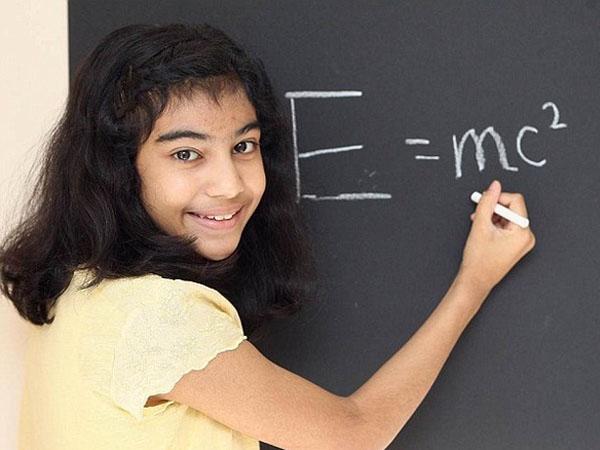 Gadis 12 Tahun Ini Lebih Cerdas dari Einstein dan Hawking?