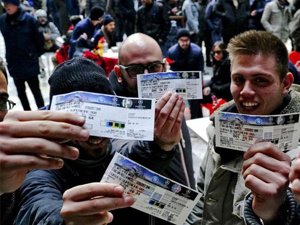 Wow, Tiket Napoli vs Real Madrid Habis Dalam Sehari!