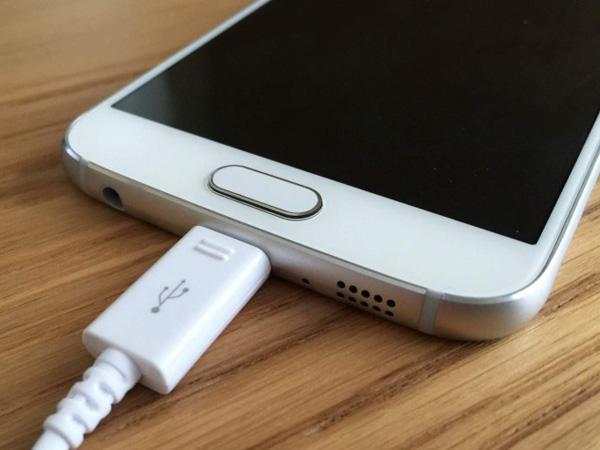 Begini Cara Mengatasi Smartphone yang Panas Akibat Masalah Baterai Hingga Charger