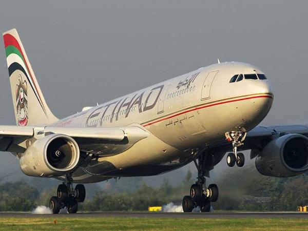 Ditawarkan Terbang Lagi Oleh Etihad, Ini Tanggapan Wanita Disabilitas Yang Diturunkan Dari Pesawat