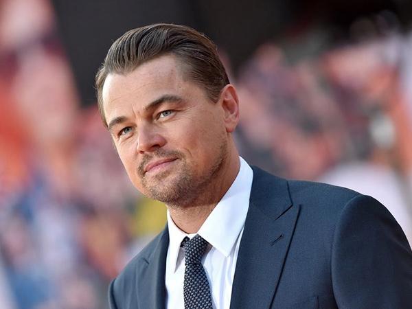 Telanjang Dada, Perut Buncit Leonardo DiCaprio Jadi Sorotan