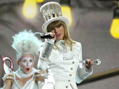 Taylor Swift Bawa Kabur Uang Rp 24 Miliar?