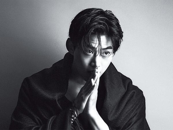 Taecyeon 2PM Ungkap Kebanggaan Hottest Jadi Fandom Pertama yang Pakai Lightstick