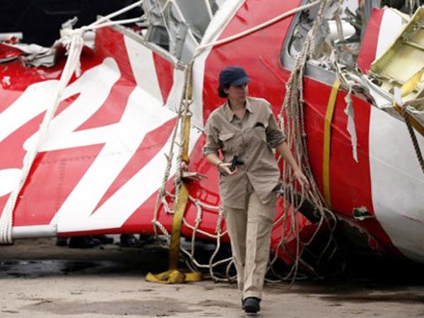 Menhub Ignasius Jonan: AirAsia QZ8501 Naik dan Turun Dalam Kecepatan Tak Wajar