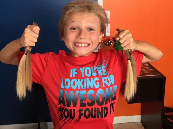 Bantu Penderita Kanker, Bocah 8 Tahun Ini Diejek Karena Rambutnya