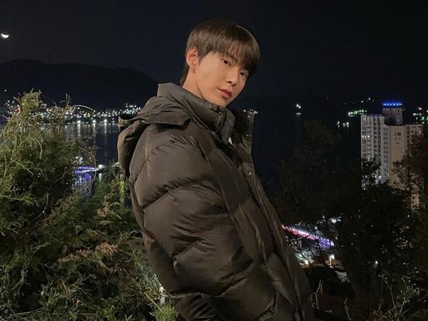Mulai Syuting, Penulis Drama 'Midnight Café' Berikan Spoiler Adegan Doyoung NCT