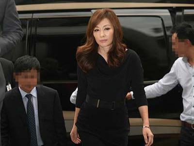 Skandal Lee Mi-sook dengan Pacar Brondongnya Semakin Terbuka