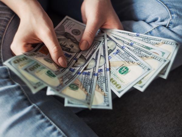 Studi Temukan Dibutuhkan Gaji 100 Juta per Bulan Agar Bisa Bahagia