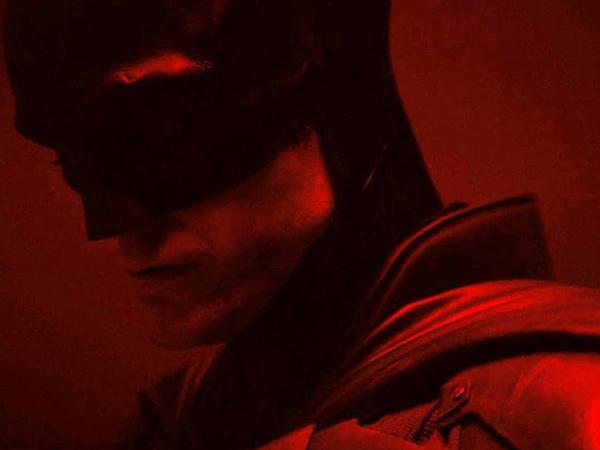 Sutradara Bocorkan Penampakan Robert Patinson dengan Kostum Batman