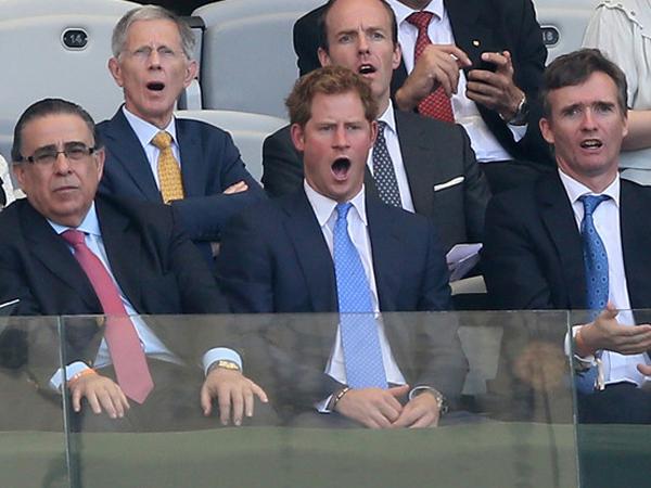 Wah! Begini Ekspresi Pangeran Harry Saat Inggris Gagal di Piala Dunia 2014