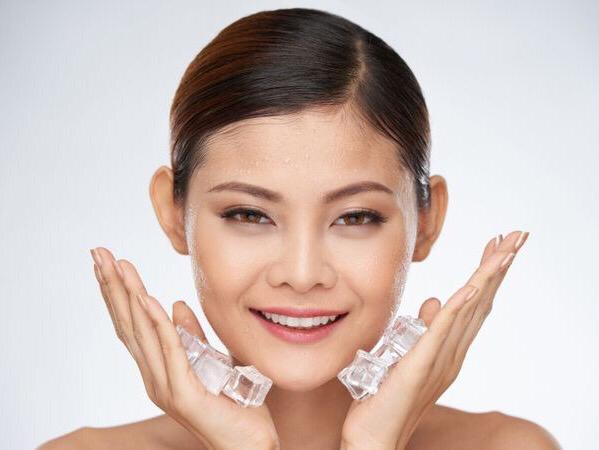Benarkah Es Batu Memiliki Manfaat Yang Baik Bagi Wajah?