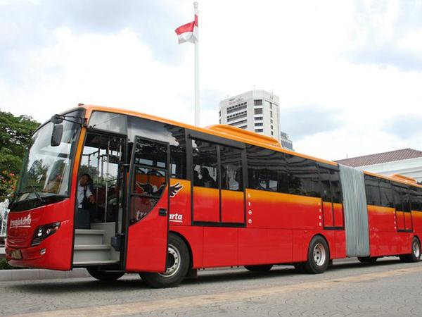 Ini Besar Gaji Sopir Bus Gandeng TransJakarta
