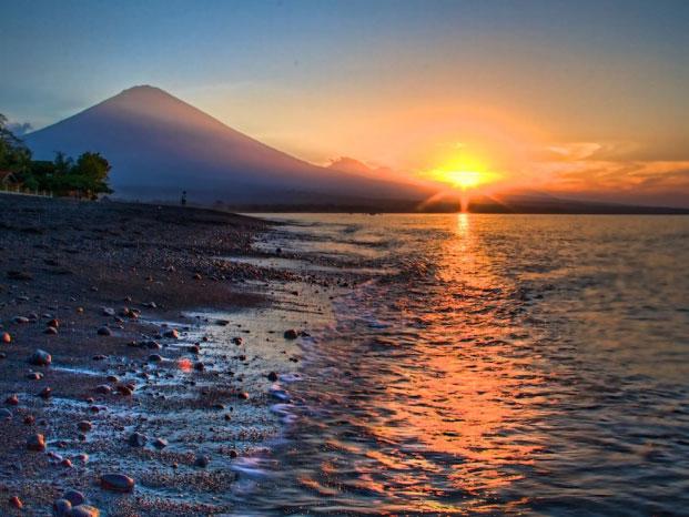 Tak Hanya Kuta, Yuk Mengenal Daerah Lain yang Tidak Kalah Cantik di Bali!