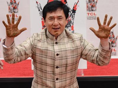 Tapak Tangan Jackie Chan Kembali Dicetak di Hollywood