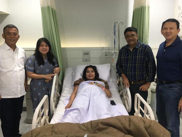 Potret Ahok 'Skin To Skin' dengan Bayinya yang Undang Respon Netizen