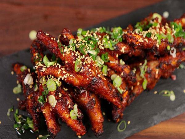 Buat Dakbal atau Ceker Ayam Pedas Favorit Idola K-Pop, Ini Resepnya