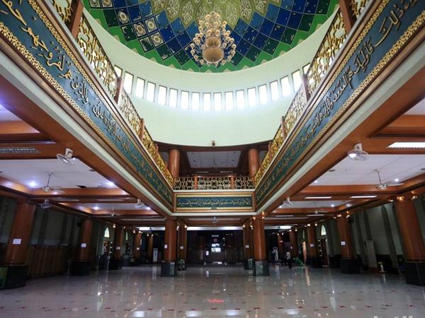 Ayo Catat Protokol Solat di Masjid Jelang New Normal dari Dewan Masjid Indonesia!