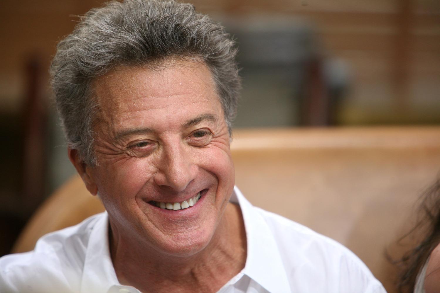 Dustin Hoffman Mulai Debut Sutradaranya
