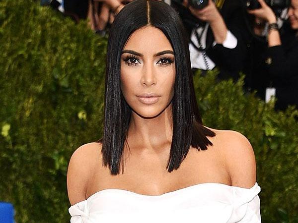 Kim Kardashian Sewa Ibu Pengganti Senilai Ratusan Juta Demi Punya Anak Ketiga