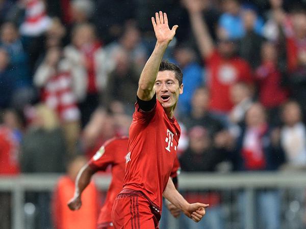 Cetak 5 Gol Dalam Waktu 10 Menit, Striker Bayern Munich Lewandowski Catat Rekor Baru