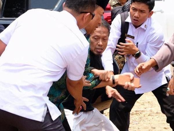 Kepala BIN Sebut 3 Bulan Sebelumnya Telah Terdeteksi, Ke Mana Distribusi Informasi Penyerangan Wiranto?