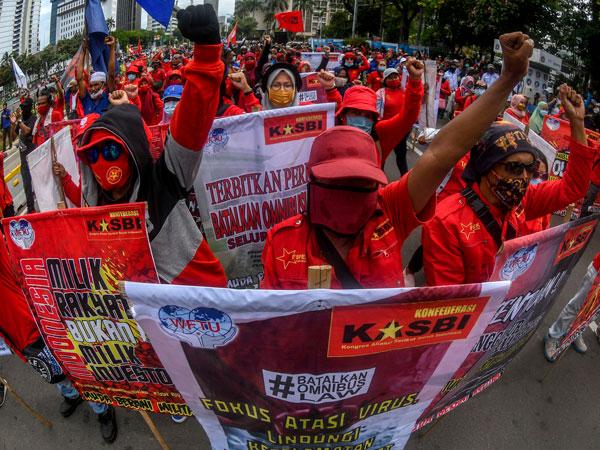 Menaker Putuskan Upah Minimum 2021 Tidak Ada Kenaikan, Buruh Kecewa
