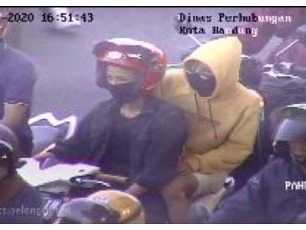 Viral Traffic Control Dishub Kota Bandung Tegur Pelanggar dengan 'Akang Gendang'