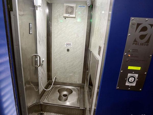'Smart Toilet' Semacam Ini yang Akan Dipasang di Skybridge Tanah Abang