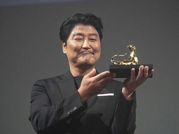 Berkat Film Parasite, Song Kang Ho Jadi Aktor Asia Pertama Raih Penghargaan Bergengsi Ini