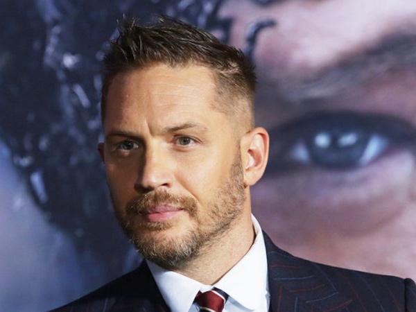 Tom Hardy Dirumorkan Gantikan Daniel Craig Jadi James Bond