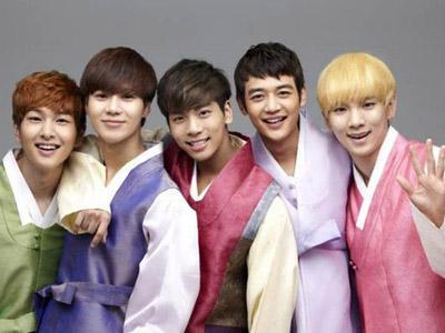 10 Idola Korea Ini Ucapkan Tahun Baru Imlek pada Fans