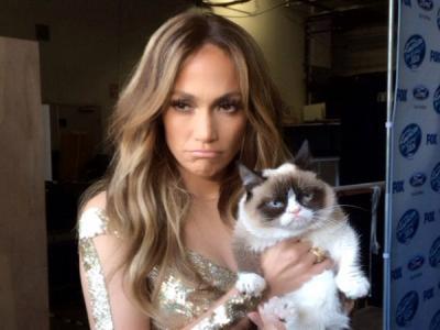Lucunya, Grumpy Cat 'Sindir' J.Lo Lewat Lagu 'Jenny From The Block' Saat Foto Bareng