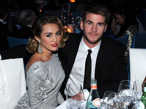 Tunda Pernikahan Lagi, Miley Cyrus dan Liam Hemsworth Tak Direstui Keluarga?