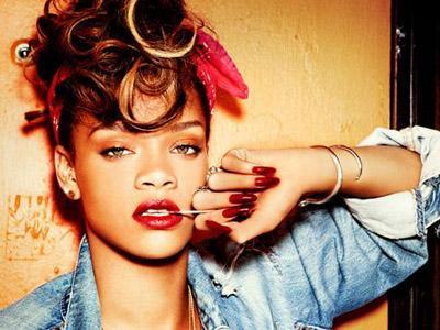 Mabuk Berat, Rihanna Diusir dari Festival Musik!