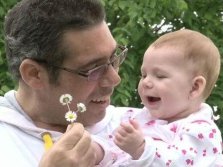 Seorang Ayah Berjuang Melawan Kanker demi Buah Hatinya