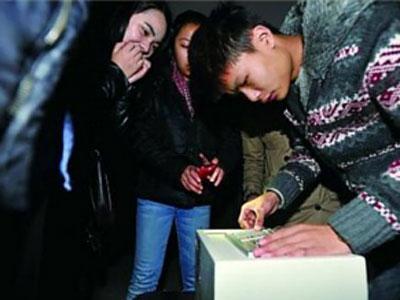 Permainan Larikan Diri Dari Ruang Tertutup Ngetren di China