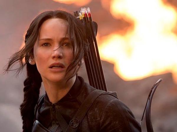 Jennifer Lawrence Terbakar Api Perjuangan Di Final Poster 'Mockingjay Part 2'