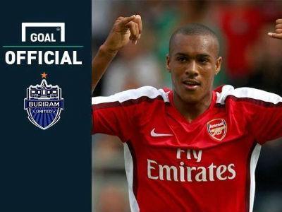 Eks Striker Arsenal Gabung ke Klub Thailand!