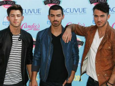 Konflik Sesama Member, Jonas Brothers Batalkan Tur Amerika dan Kanada?