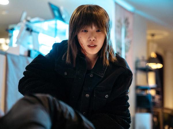 Kim Go Eun Berubah Drastis Jadi Penjahat Misterius di 'The King: Eternal Monarch'