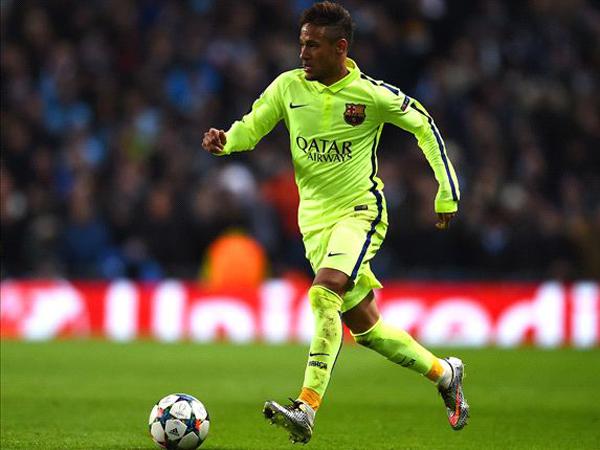Diejek Lakukan Diving, Neymar Nyaris Bertengkar dengan Pendukung Manchester City!