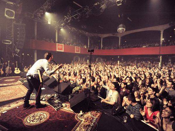 Ini Detik-detik Penyerangan di Konser Band Eagle of Death Metal di Paris