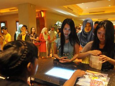 Ramadhan, Pengunjung Bioskop Turun 10 Persen