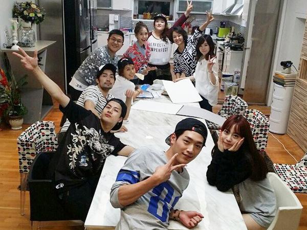 Kedatangan Tamu Bertabur Bintang, Member 'Roommate' Adakan Dance Battle!