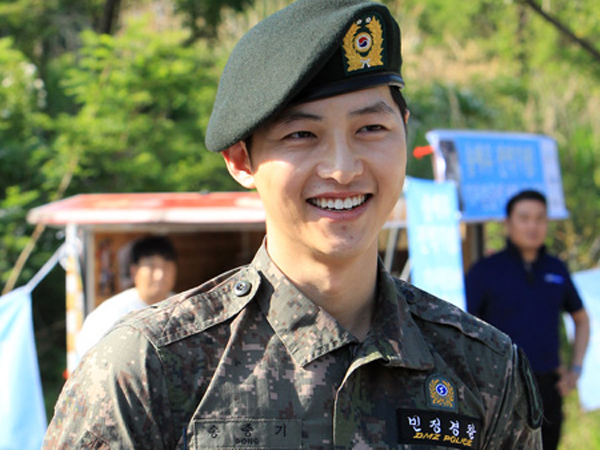 Welcome Back! Song Joong Ki Akhirnya Selesaikan Wajib Militernya