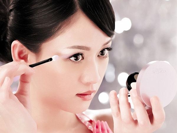 Yuk, Intip Tips Cepat dan Mudah untuk Make Up Harianmu!
