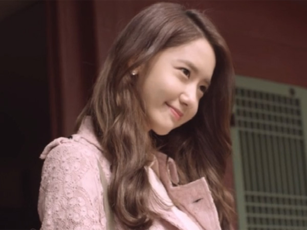 YoonA SNSD Tak Takut Putus Cinta di Video Musik 'Deoksugung Stonewall Walkaway'